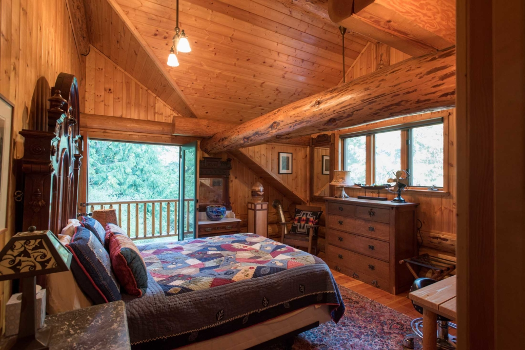 Lopez Island Vacation Homes — Cedar Ridge photo #4 (bedroom)